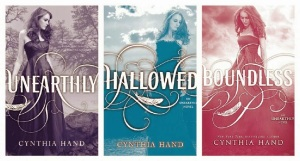 Unearthly Trilogy (Unearthly, Hallowed, & Boundless) - Cynthia Hand